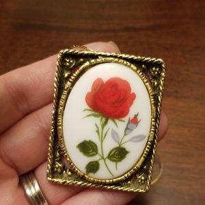 Vintage Red Rose 🌹 Necklace